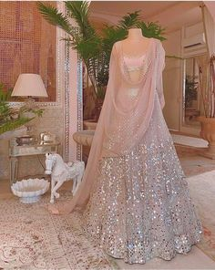 Lehenga Choli Wedding, Wedding Lehenga Designs, Lehenga Choli Designs, Party Wear Lehenga, Ghagra Choli, Wedding Lehanga, Lehenga Choli Latest, Lace Wedding, Wedding Skirt