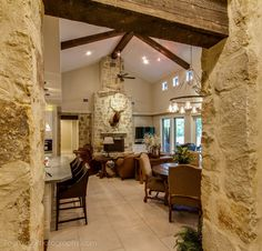 1425 Trebled Waters Trail, Hill Country Austin, TX