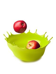 This is not an apple falling into paint. That is a bowl. A BOWL. And in my favorite color! Weird. I love it.