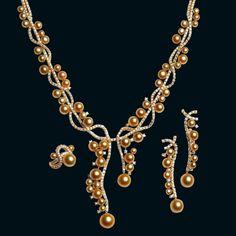 Golden pearl parure Jewellery Theatre