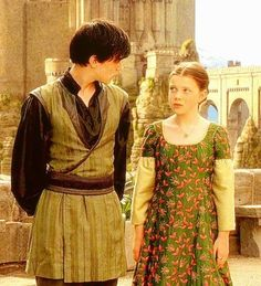 Find images and videos about georgie henley, the chronicles of narnia and skandar keynes on We Heart It - the app to get lost in what you love. Lucy Pevensie, Susan Pevensie, Peter Pevensie, Edmund Pevensie, Narnia Cast, Narnia 3, Edmund Narnia, Narnia Costumes, Movie Costumes
