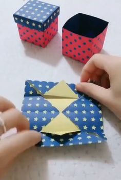 Origami Flowers 494621971578072729 - Cute gift box paper craft idea Source by Cool Paper Crafts, Paper Crafts Origami, Diy Crafts For Gifts, Diy Home Crafts, Diy Arts And Crafts, Oragami, Origami Gift Box, Wrapping Paper Crafts, Newspaper Crafts