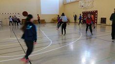 Jugando a pillar, cuba libre a caballo Cuba, Basketball Court, Wrestling, Sports, Motors, Games, Sport, Kobe