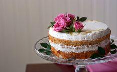 Vegan naked cake filled with strawberry jam and almond mascarpone. Decorated with toasted almond flakes and fresh roses. - by Maikin mokomin Vegan Sponge Cake Recipe, Sponge Cake Recipes, Vegan Sweets, Vegan Desserts, Aquafaba, Strawberry Jam, Vegan Baking, Celebration Cakes, Vanilla Cake