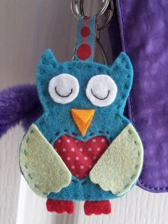 Sewing Furniture Makes It Easier To Work Hand Sewing Projects, Sewing Crafts, Sewing For Kids, Diy For Kids, Felt Crafts, Diy And Crafts, Pop Couture, Owl Keychain, Felt Patterns