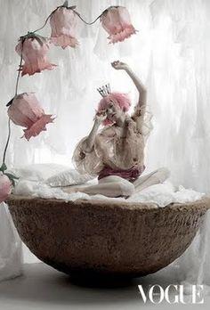 Ideas For Photography Fantasy Fairytale Tim Walker Editorial Photography, Art Photography, Fashion Photography, Fairy Tale Photography, Jean Paul Goude, Tim Walker Photography, Art Magique, Kobold, Girl Korea