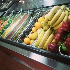 Near impossible to fit the fresh fruit & veggie options offered @OvertonMNPS & @MetroSchools into 1 pic!#schoollunch