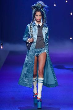 Marc Jacobs Spring 2017 Ready-to-Wear Fashion Show - Sara Sampaio