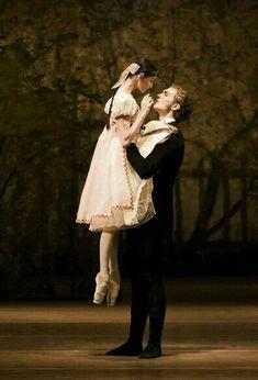renaissance art Beautiful Ballet Lift on The - art Ballet Pictures, Dance Pictures, Shall We Dance, Lets Dance, Ballet Lifts, Princesa Tutu, La Bayadere, Ballet Photography, Photography Poses