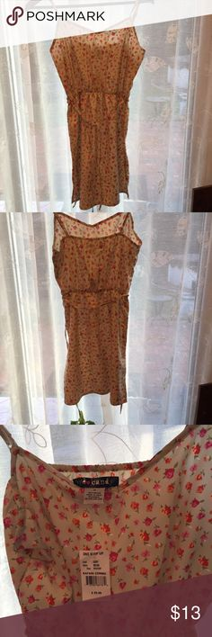 NWT Eye Candy sundress size med NWT floral Eye Candy sundress so versatile can also be a beach cover up!👙size medium Eye Candy Dresses