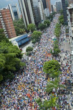 Marcha de apoyo a la inscripción del Candidato a la Presidencia de Venezuela: Henrique Capriles Randoski