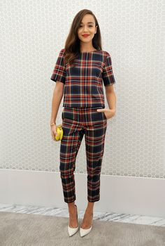 This outfit is perf! Ashley Madekwe really rocks this sweet tartan look by Topshop. It's a nice change to see more classic, pulled-together looks on younger actresses. Mode Outfits, Fashion Outfits, Womens Fashion, Fashion Tips, Plaid Outfits, Plaid Pants Outfit, Bar Outfits, Vegas Outfits, Woman Outfits