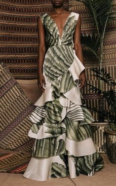 Coconut Palm Organza Dress by Johanna Ortiz Resort 2019 Beautiful Gowns, Beautiful Outfits, Organza Dress, Silk Organza, High Fashion, Womens Fashion, Mode Inspiration, Dress To Impress, Nice Dresses