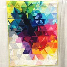 """Quando eu crescer, quero quiltar assim...  """"Tesselation 3, by Nydia Kehnle; quilted by Karlee Porter. #QuiltCon  #quiltcon2015"""""""