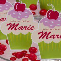Cupcake fashion! Birth announcement cards with a sweet taste! #babygirl #birthannouncement | #Tadaaz