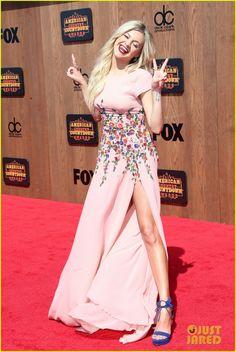 Kelsea Ballerini Stuns at American Country Countdown Awards 2016