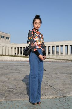 Now THAT is how you wear mom jeans. Photo by Stacey Young.