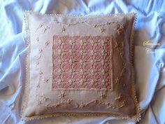 Semplici cose: cuscino a punto antico