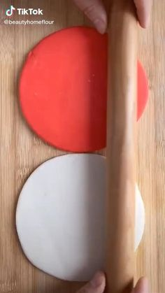Cake Decorating Piping, Cake Decorating Videos, Cake Decorating Techniques, Fondant Fish, Fondant Cake Designs, Fondant Flower Tutorial, Amazing Food Art, Pastry Design, Lime Cake