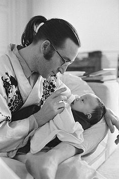 John Lennon and baby Sean. ©Bob Gruen/www.bobgruen.com (I never cease to get teary eyed over the sweetness here