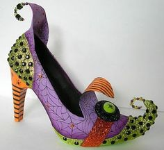 How to make witches shoes from old shoes