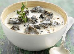 Snail Stew with Garlic Cream (sub yogurt and skim milk for cream) Seafood Recipes, Gourmet Recipes, Escargot Recipe, Snails Recipe, Healthy Grains, Healthy Sugar, Slow Food, Other Recipes, Food Plating