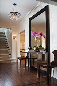 Contemporary Home Design, Appealing Interior Design With Laminate Flooring: Modern House Furniture Comes with the Classic Details Design Entrée, Design Case, House Design, Foyer Design, Design Ideas, Design Blogs, Design Trends, Design Bathroom, Bathroom Wall