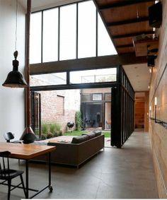 Loft avec patio.