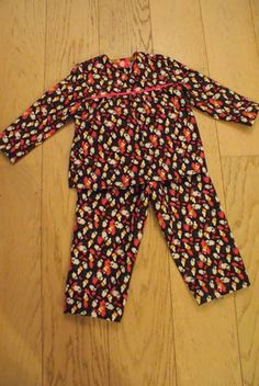 Flanellen pyjama patroon: http://www.naaipatronen.nl/new-look-6170.html