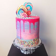 This Baker's Colorful Cake Creations Are Literally Too Beautiful To Eat - Trend Pretty Cakes 2019 Pretty Cakes, Cute Cakes, Beautiful Cakes, Yummy Cakes, Amazing Cakes, Lollipop Cake, Cupcake Cakes, Drippy Cakes, Girly Cakes