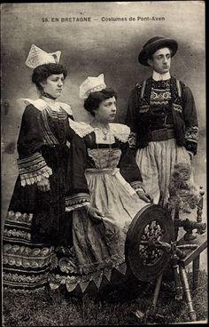 Postcard Pont Aven Finisterè, vue des femmes et un homme, Trachten, Spinnrad