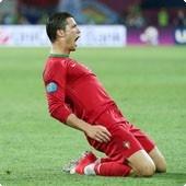 #Euro2012 Rep. Checa - Portugal  No último confronto com a República Checa, vitória por 3-1 no Euro08, Ronaldo até fez o gosto ao pé. Uma vítima já conhecida do capitão português que rubricou uma exibição de encher o olho frente à Holanda. https://pt.betclic.biz/partner.aspx?p=BLG8=c30=462602