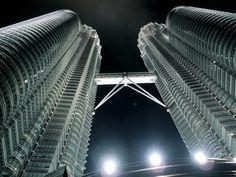 Kuala Lumpur; Petronas, Twin Towers. So impressive.... Beautiful!