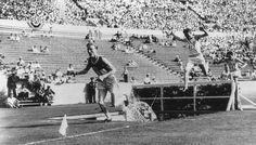 La carrera de 3.000 metros con obstáculos de los Juegos Olímpicos de 1932 resultó en 3.460 metros, porque un juez perdió la cuenta y asignó una vuelta adicional.