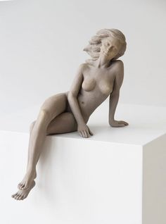 Life-Sized Female Sculptures Inspired by the Graceful Beauty of Renaissance Art | votre ART