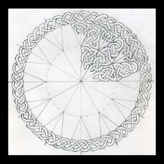 Celtic Knots 101 - Working in a Circle - WetCanvas: Online Living for Artists Celtic Mandala, Celtic Circle, Celtic Art, Celtic Dragon, Viking Designs, Celtic Knot Designs, Celtic Symbols, Celtic Knots, Celtic Knot Tutorial