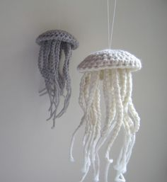 "Crochet and braid jellyfish- If I had a beach house, these would be hanging in the ""under the sea"" bedroom!"
