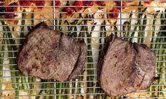 Steak, Asparagus and Tomato Sheet Pan Supper via @midlifeblv