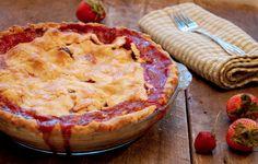 strawberry rhubarb pie Strawberry Rhubarb Pie Filling Recipe, Rhubarb Recipes, Rhubarb Desserts, Just Desserts, Dessert Recipes, Dessert Ideas, What's For Breakfast, Second Breakfast, Pie Crust Recipes