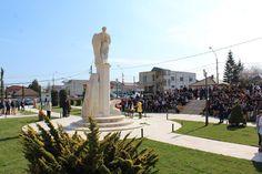Astăzi, cu ocazia serbării zilei de naștere a poetului Ovidius, orașul Ovidiu a găzduit o serie de evenimente culturale dedicate patronului spiritual al localității.