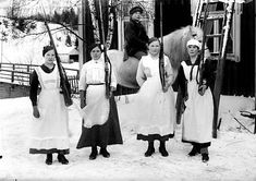 Female Finnish Red Guards during the Finnish Civil War 1918.  Maids from Ruovesi.