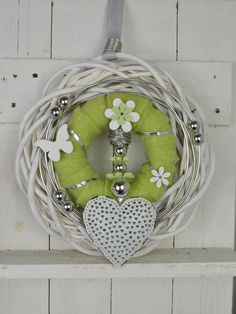 I am offering you a beautiful door wreath / wall wreath in light green / . I offer you a beautiful door wreath / wall wreath in light green / white / silver. It was lovingly handcrafted. Wreaths For Front Door, Door Wreaths, Crafts To Sell, Diy And Crafts, Copper Pyramid, Moss Wreath, Decoration Entree, Autumn Activities, Easter Wreaths