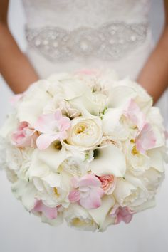 calla lily + rose bouquet in blush + white | Dark Roux #wedding