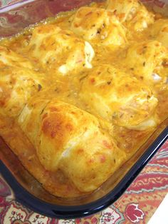 Southwestern Chicken Roll Ups 2 cups chicken 4 oz cream cheese, softened 2 Tbsp taco seasoning 1 can cream of chicken soup cup salsa 1 cup shredded cheddar cheese, divided 1 can refrigerated crescent rolls Preheat oven to Turkey Recipes, Mexican Food Recipes, Chicken Recipes, Chicken Soup, Cooked Chicken, Shredded Chicken, Chicken Casserole, Fiesta Chicken, Chicken Ideas