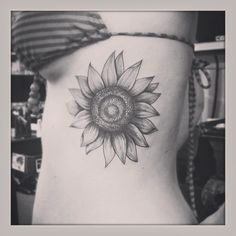 sunflower-tattoo-side.jpg 600×600 pixels