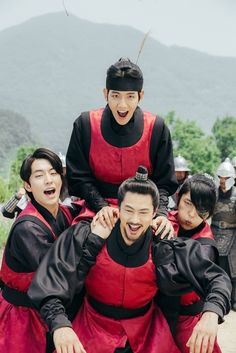 Scarlet Heart: Ryeo. This scene was too funny! :) I love Lee Jun-Ki's face here!