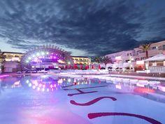 playas y fiesta en Ibiza