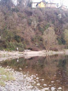 Penisola di San Gervasio a Capriate (BG), vicino a Crespi d'Adda e a Trezzo (MI), Parco Adda Nord sul fiume Adda.