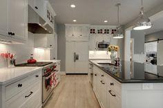 Modern Bungalow - craftsman - Kitchen - Minneapolis - Great Neighborhood Homes Bungalow Kitchen, Craftsman Kitchen, Home Decor Kitchen, New Kitchen, Home Kitchens, Modern Craftsman, Minneapolis, Grey Kitchen Walls, Kitchen Black