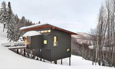 RobitailleCurtis designed the Laurentian Ski Chalet, a modern weekend retreat with a highly insulated thermal envelope.